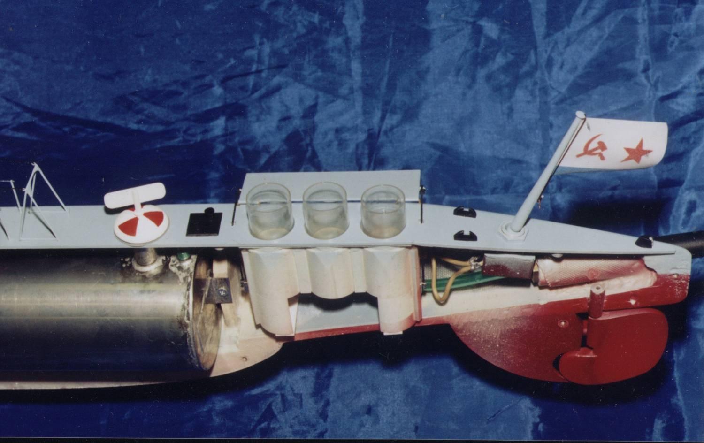 Действующие модели подводных лодок своими руками 28